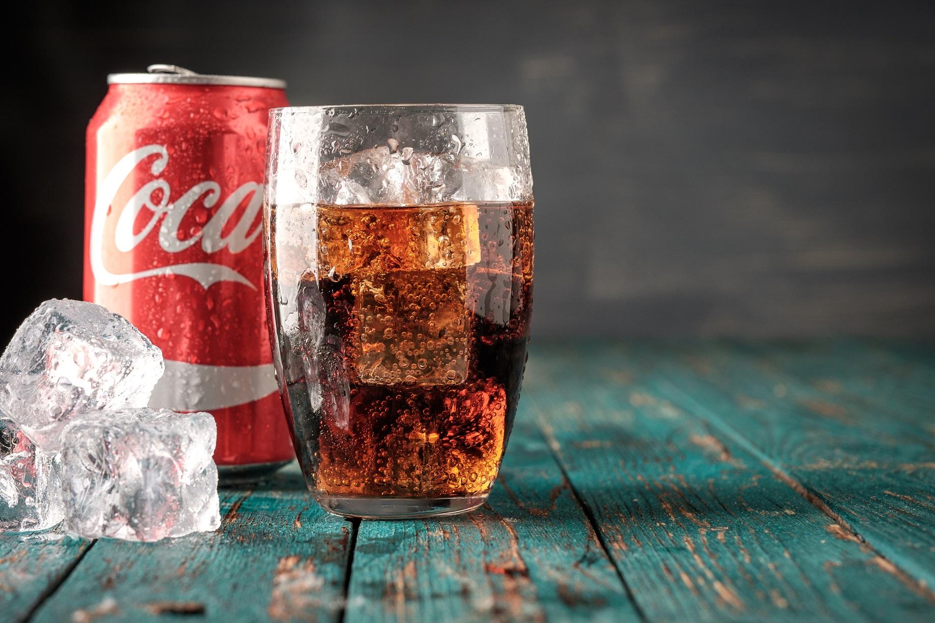 Coca cola in glas